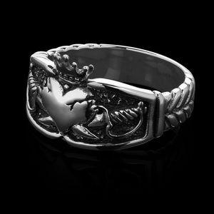 Etah Love Her Majesty Ring